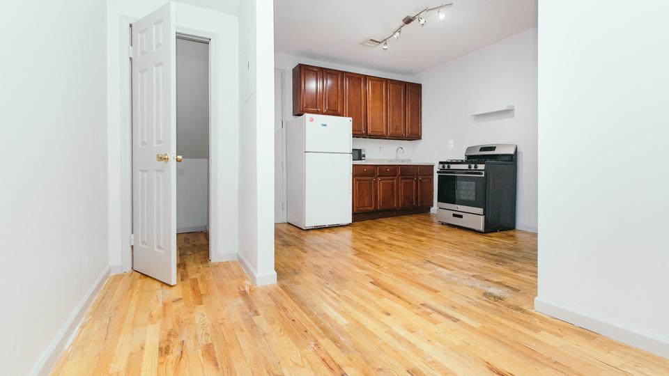 A $2,100.00, 2 bed / 1 bathroom apartment in Bushwick