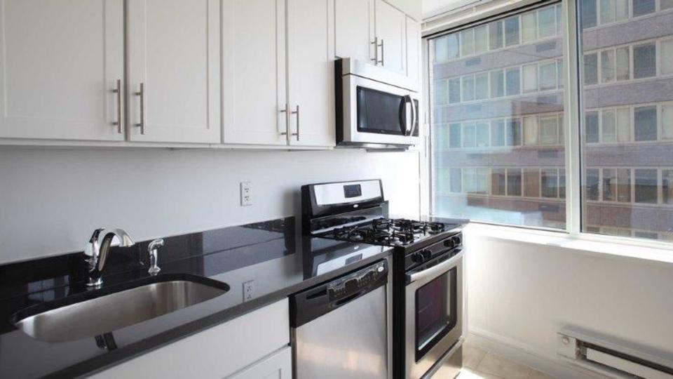 A $5,155.00, 1 bed / 1 bathroom apartment in Lincoln Square