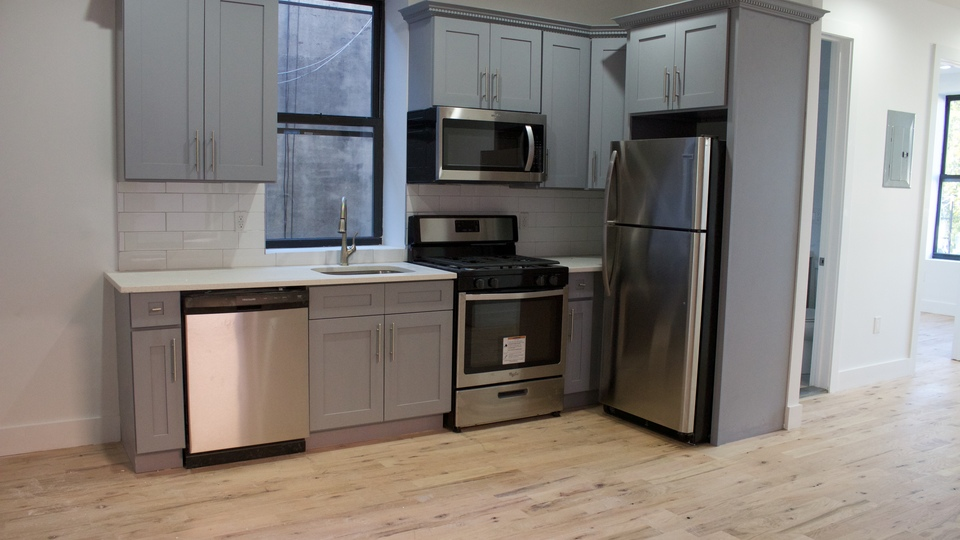 A $3,185.00, 2 bed / 1.5 bathroom apartment in Greenpoint