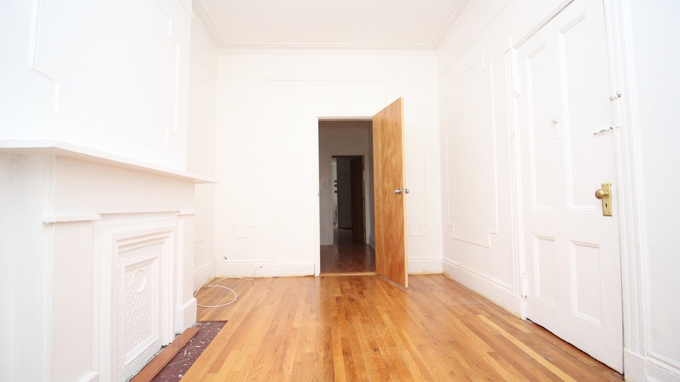 A $2,800.00, 1.5 bed / 1 bathroom apartment in Greenpoint