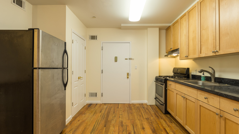 A $3,700.00, 3 bed / 2 bathroom apartment in Park Slope