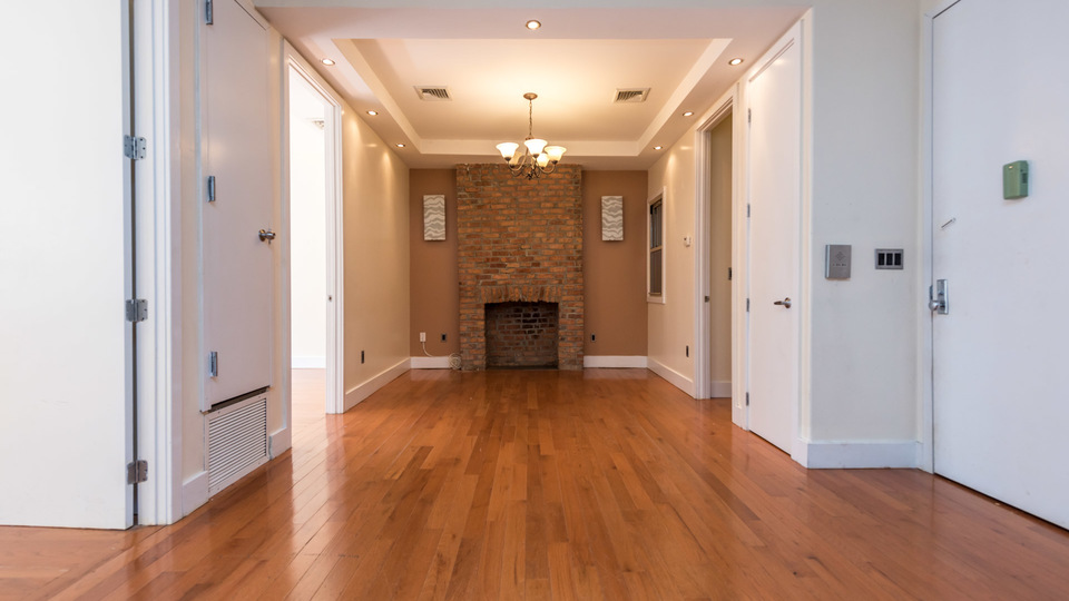 A $3,900.00, 3 bed / 1.5 bathroom apartment in Williamsburg