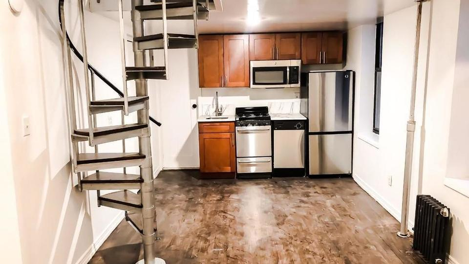 A $3,474.00, 2 bed / 1 bathroom apartment in Lower East Side