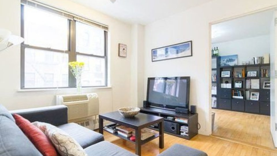 A $4,149.00, 3 bed / 1 bathroom apartment in Lower East Side
