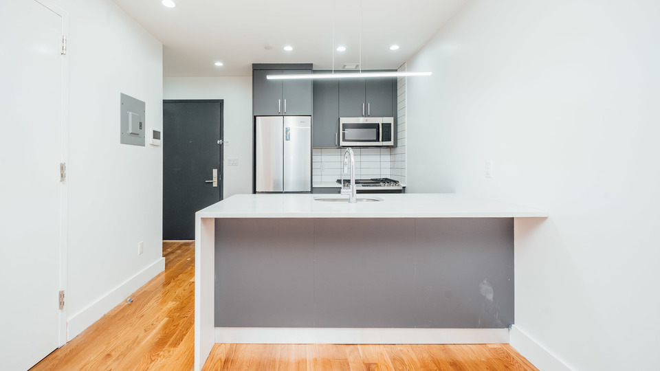 A $2,075.00, 0 bed / 1 bathroom apartment in Bed-Stuy