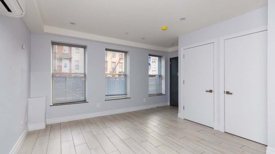A $2,500.00, 1 bed / 2 bathroom apartment in Bed-Stuy