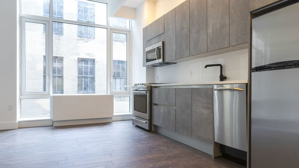 A $3,668.00, 0 bed / 1 bathroom apartment in Midtown