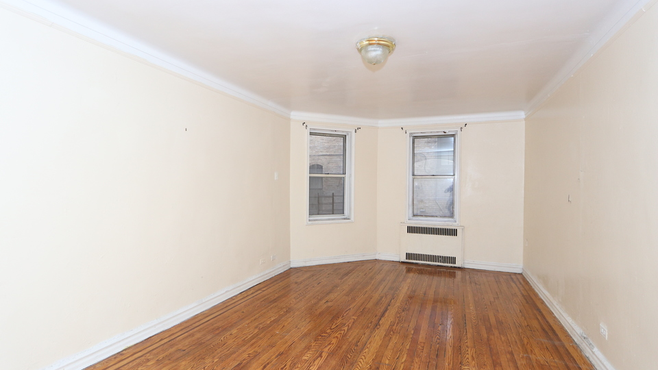 A $1,550.00, 0 bed / 1 bathroom apartment in Flatbush