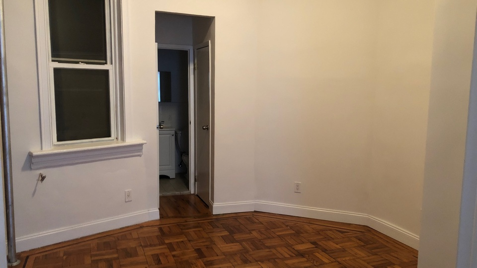 A $3,600.00, 1 bed / 1 bathroom apartment in Williamsburg