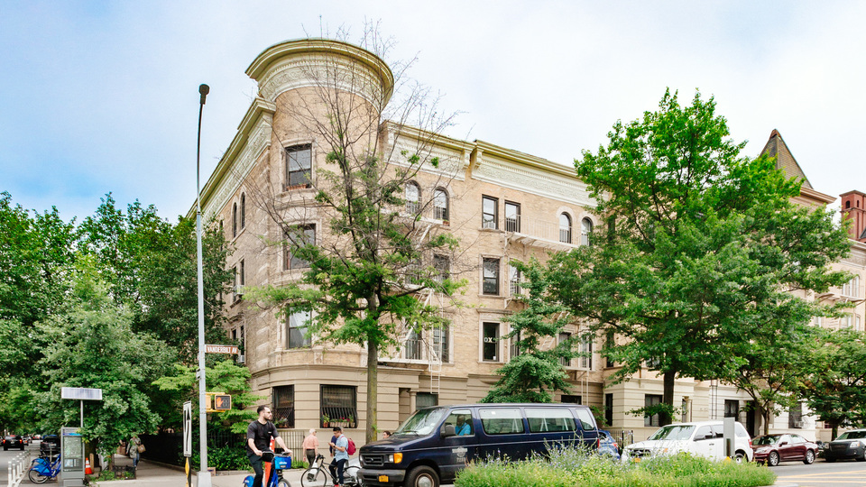 A $4,350.00, 3 bed / 2 bathroom apartment in Prospect Heights