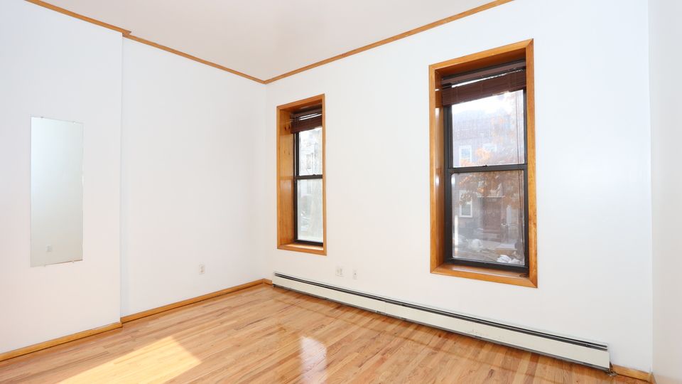 A $2,400.00, 2 bed / 1 bathroom apartment in South Slope