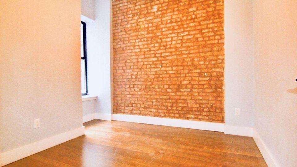 A $3,349.00, 4 bed / 2 bathroom apartment in Ridgewood