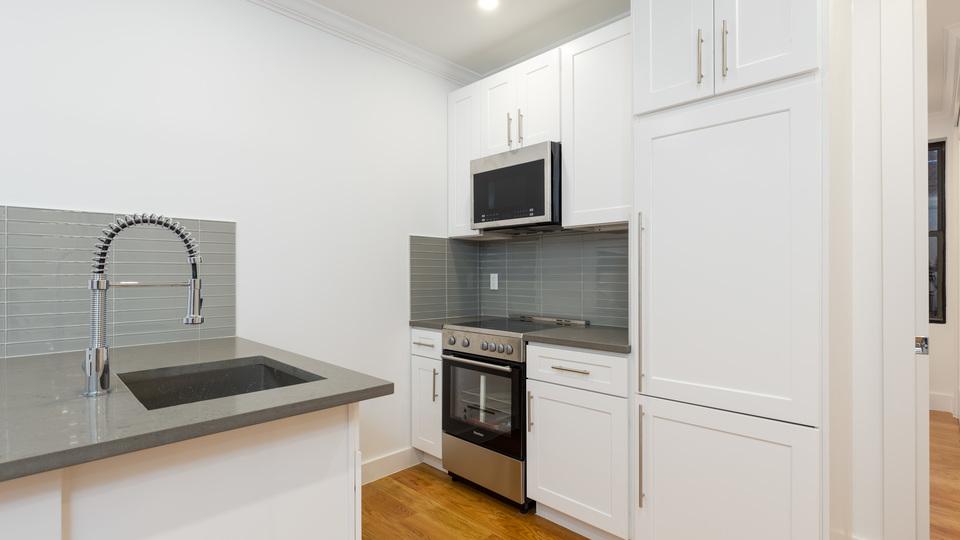A $4,547.00, 3 bed / 2 bathroom apartment in Clinton Hill