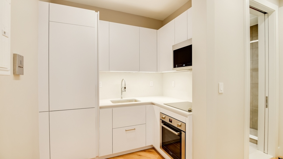 A $2,200.00, 0 bed / 1 bathroom apartment in South Slope