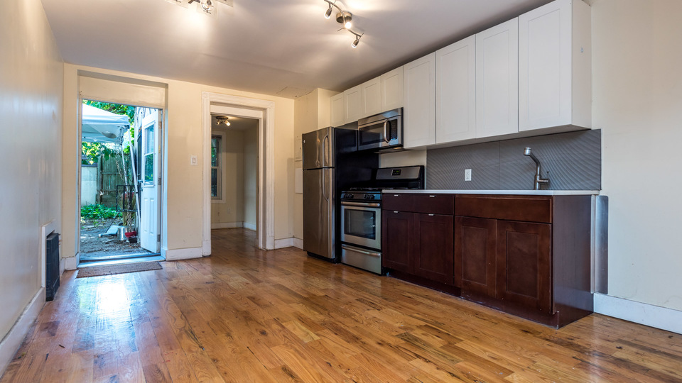 A $3,100.00, 4 bed / 1.5 bathroom apartment in Bushwick