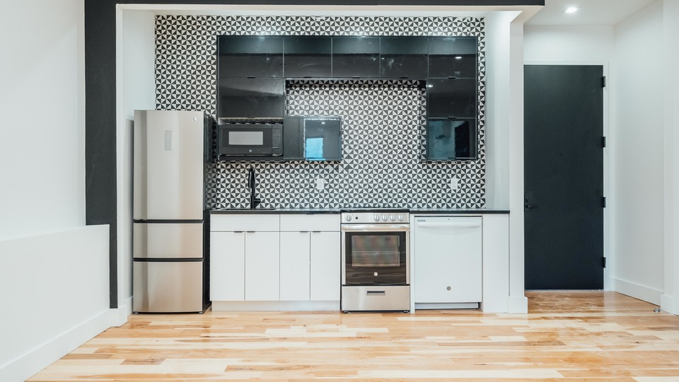 A $3,063.00, 3 bed / 2 bathroom apartment in Greenpoint