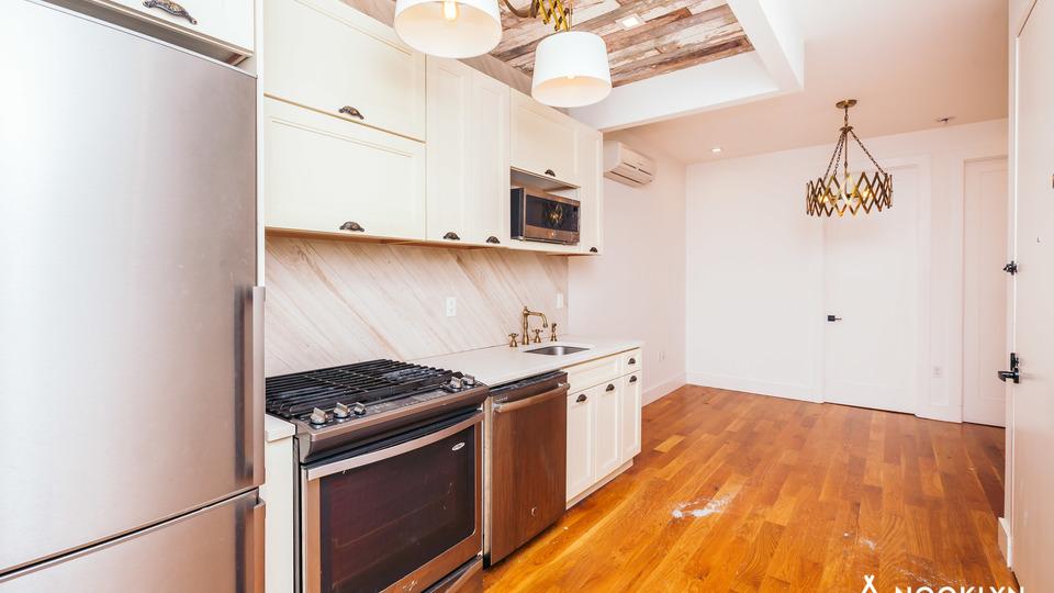 A $2,350.00, 3 bed / 2 bathroom apartment in Bushwick