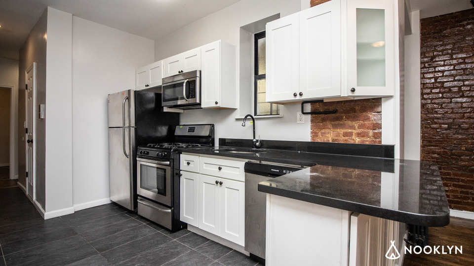 A $2,525.00, 2 bed / 1 bathroom apartment in Bushwick