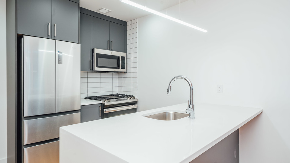 A $2,100.00, 0 bed / 1 bathroom apartment in Bed-Stuy