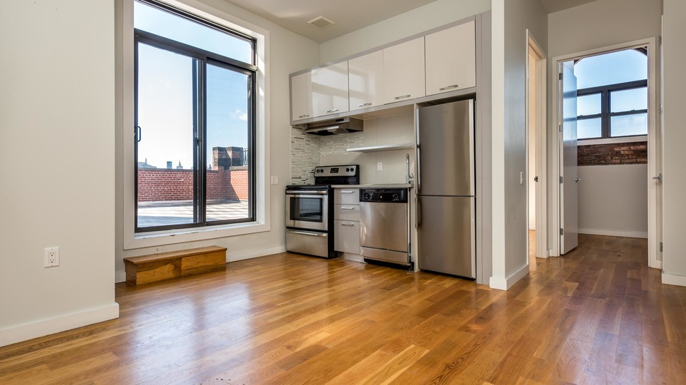 A $3,200.00, 2 bed / 1 bathroom apartment in Greenpoint