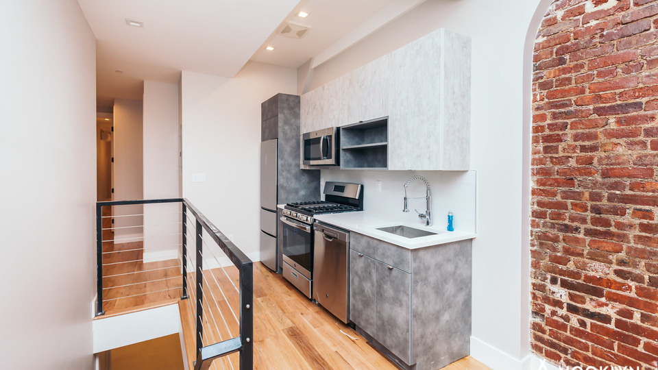A $4,500.00, 4 bed / 3.5 bathroom apartment in Bed-Stuy