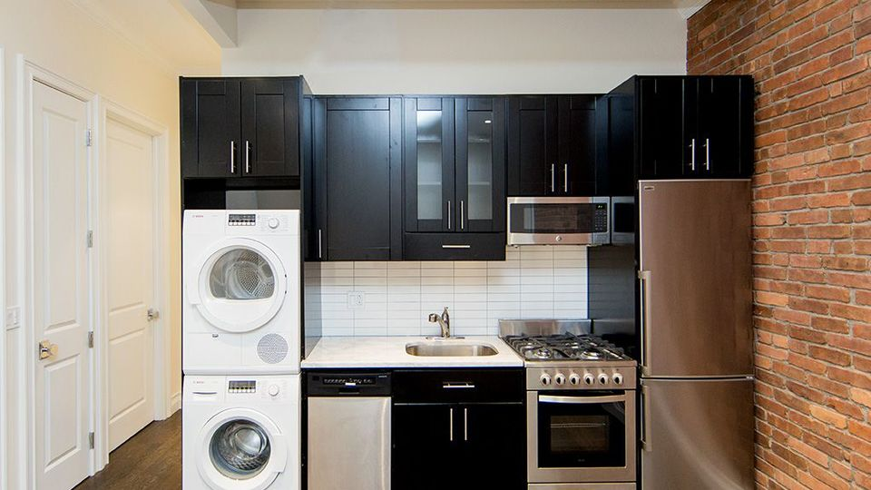 A $7,608.00, 5 bed / 2 bathroom apartment in Kips Bay