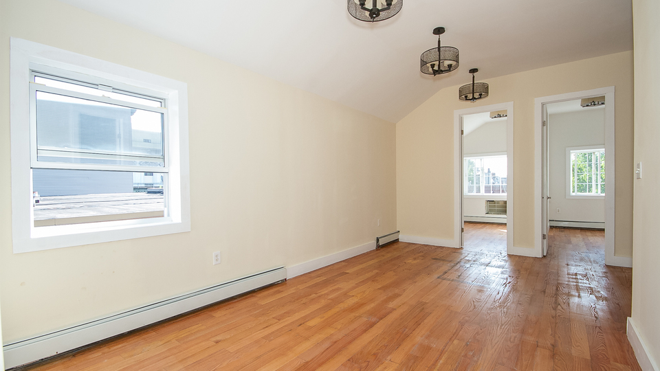 A $3,340.00, 4 bed / 2 bathroom apartment in Bushwick