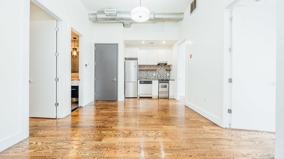 A $2,245.00, 3 bed / 1 bathroom apartment in Bushwick