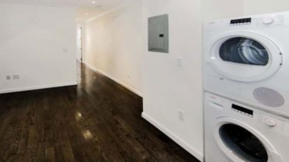A $3,317.00, 2 bed / 1 bathroom apartment in East Village