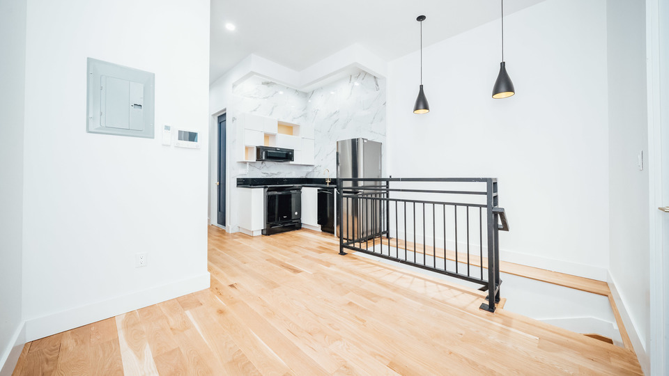 A $2,850.00, 3 bed / 2 bathroom apartment in Bushwick