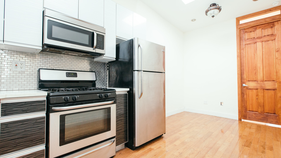 A $2,520.00, 2 bed / 1 bathroom apartment in Williamsburg