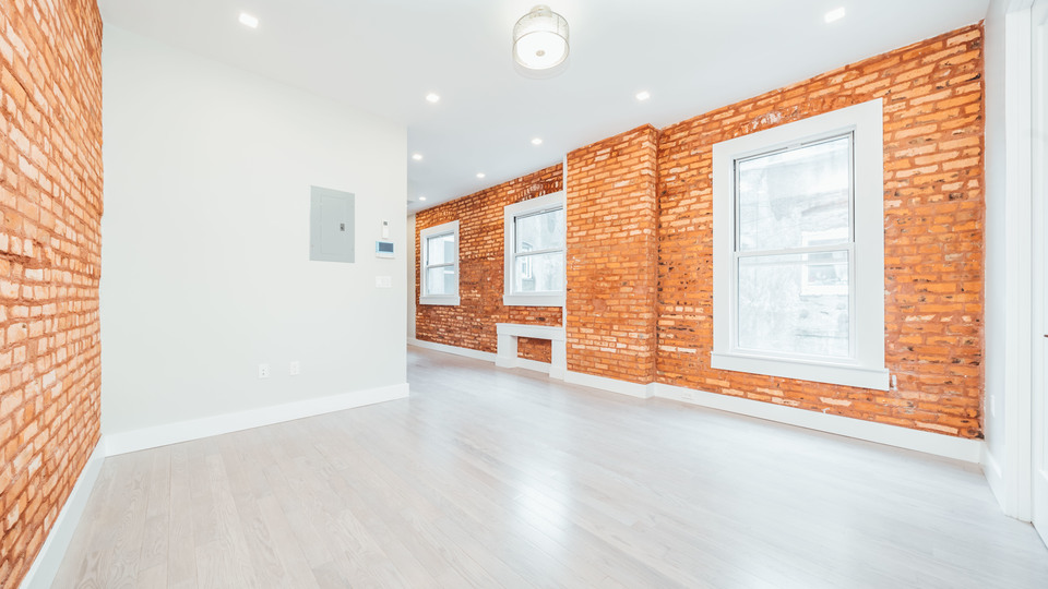 A $3,400.00, 3 bed / 3 bathroom apartment in Greenpoint