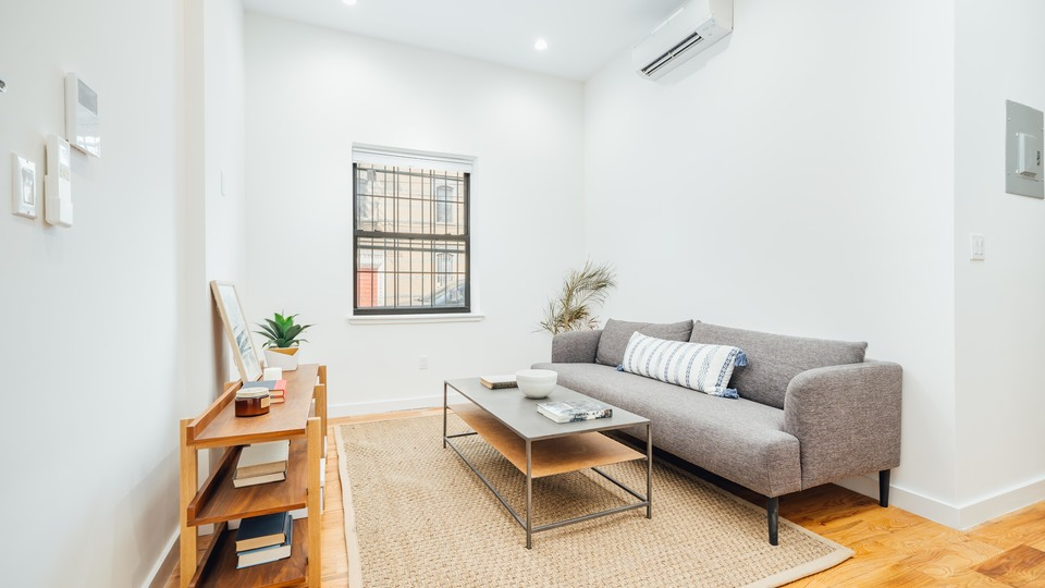 A $3,300.00, 3 bed / 1 bathroom apartment in Ridgewood