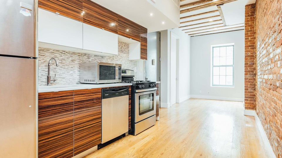 A $3,100.00, 4 bed / 2 bathroom apartment in Crown Heights