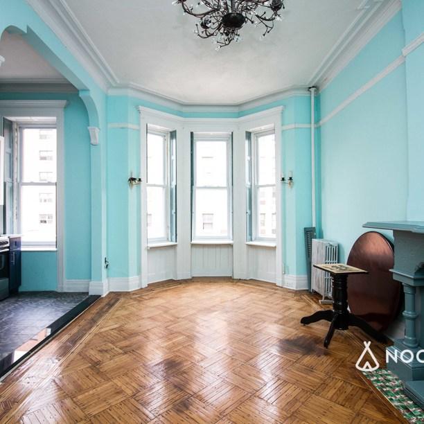 Ny Apartment Listings: A Room At 726 Willoughby Ave, Brooklyn, NY 11206, USA