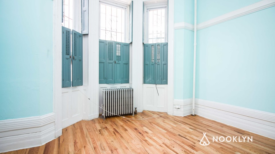 A $1,975.00, 3 bed / 1 bathroom apartment in Bed-Stuy