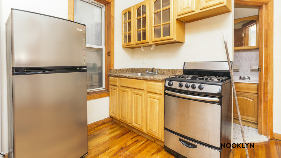 A $2,635.00, 2 bed / 1 bathroom apartment in Williamsburg