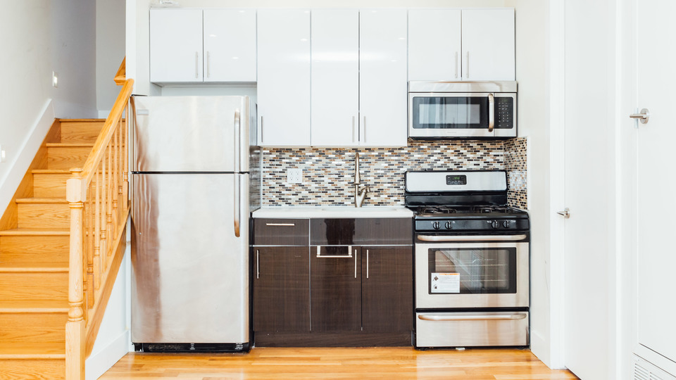 A $2,475.00, 3 bed / 1 bathroom apartment in Bed-Stuy