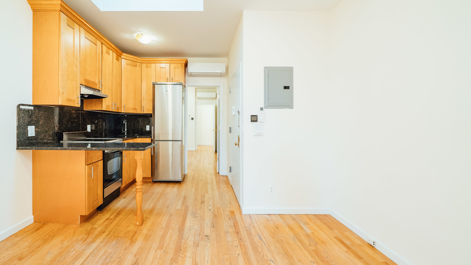 A $2,850.00, 2.5 bed / 2 bathroom apartment in Williamsburg