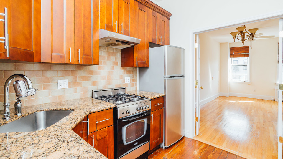 A $2,899.00, 2 bed / 2 bathroom apartment in Williamsburg