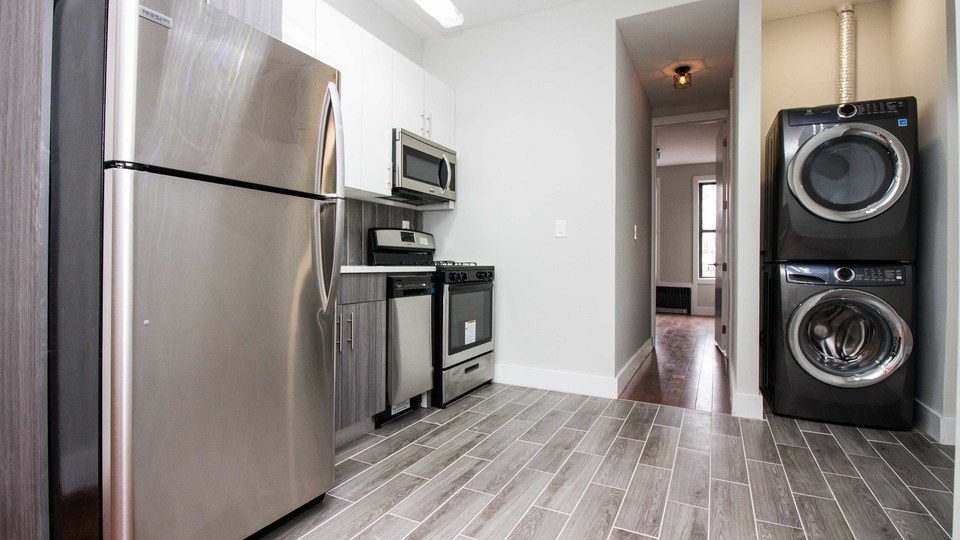 A $2,995.00, 3 bed / 3 bathroom apartment in Bushwick