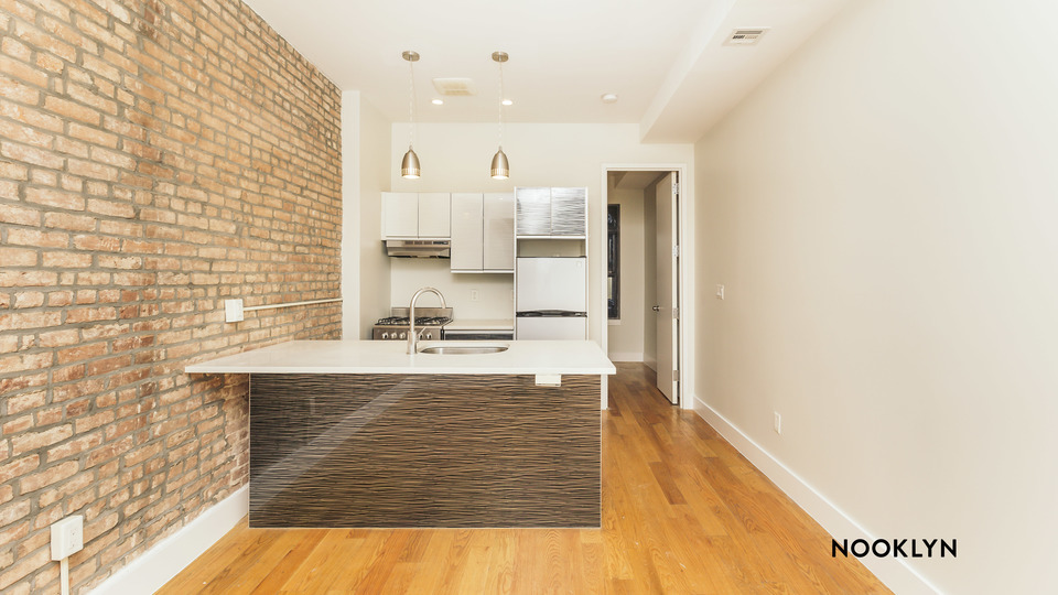 A $2,850.00, 4 bed / 1 bathroom apartment in Bed-Stuy