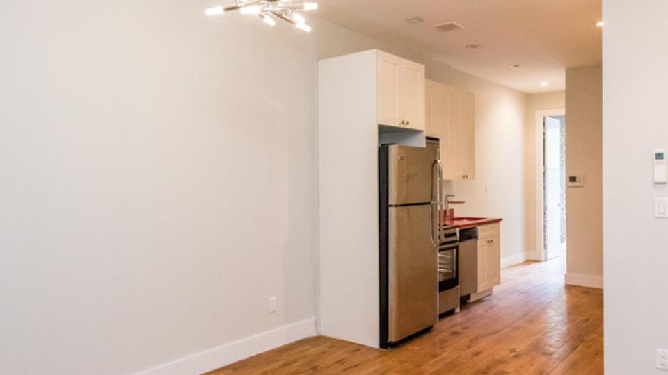 A $2,415.00, 3 bed / 1 bathroom apartment in Bushwick