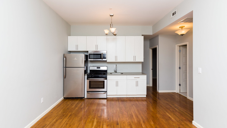 A $2,465.00, 3 bed / 1 bathroom apartment in Bushwick