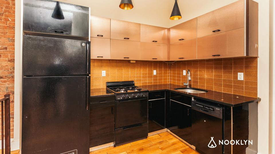 A $3,999.00, 4 bed / 1.5 bathroom apartment in Ridgewood