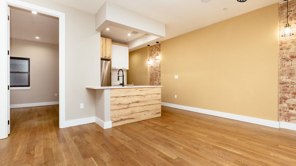 A $3,025.00, 3 bed / 1 bathroom apartment in Crown Heights