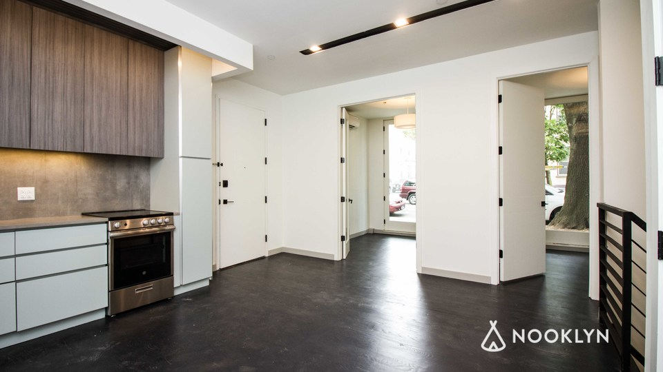 A $2,500.00, 3 bed / 1.5 bathroom apartment in PLG: Prospect Lefferts Gardens
