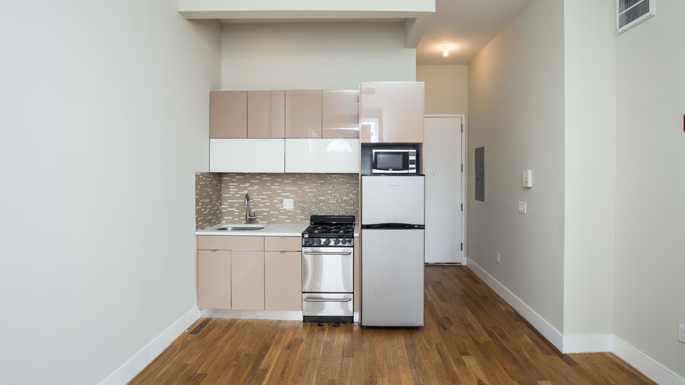 A $3,000.00, 3 bed / 1.5 bathroom apartment in Crown Heights