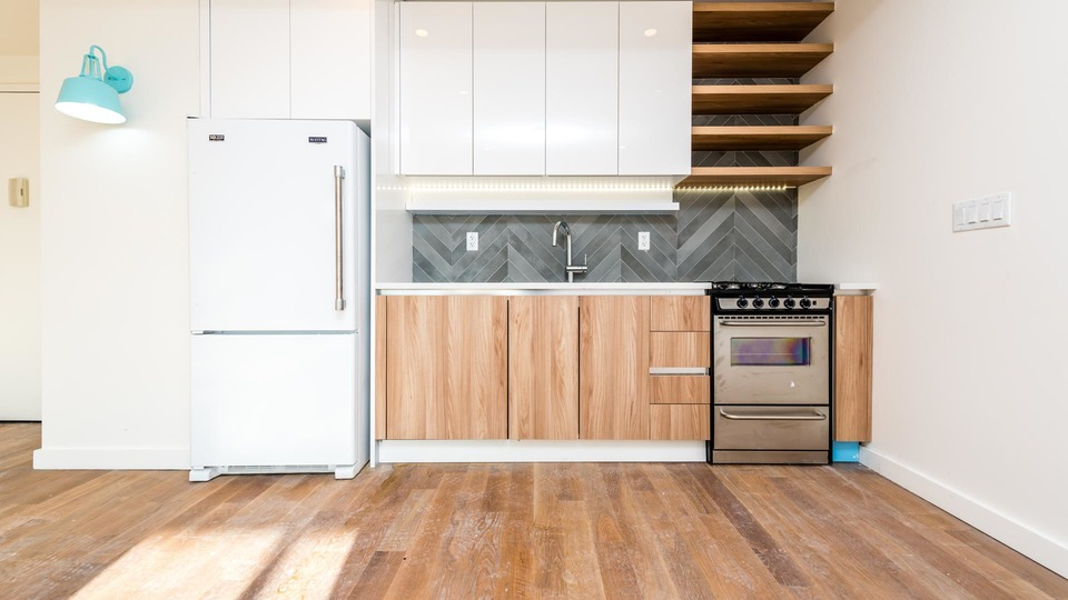A $4,100.00, 3 bed / 1 bathroom apartment in Greenpoint