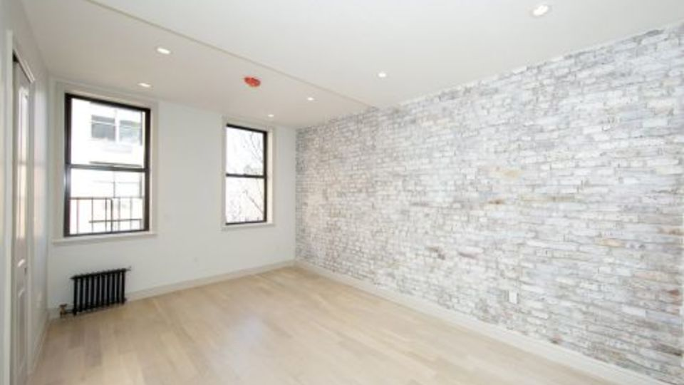 A $2,831.00, 0 bed / 1 bathroom apartment in East Village